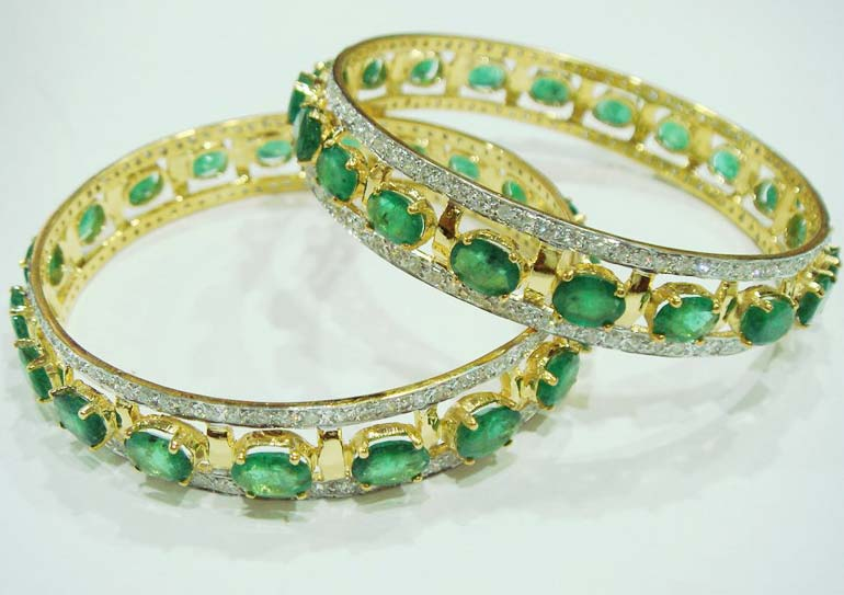 Diamond Gemstone Bangle (CWDGBP241)