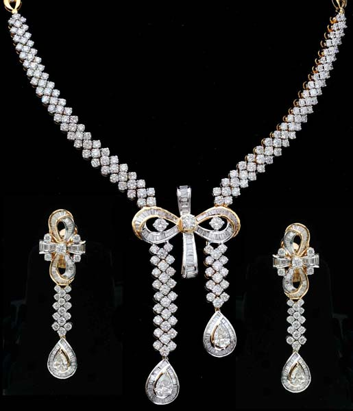 Diamond Gold Necklace Set (CWWDGR002)