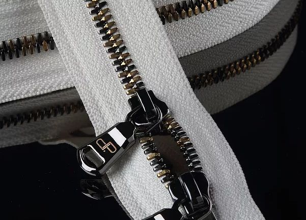 OOK Metal Zipper 01