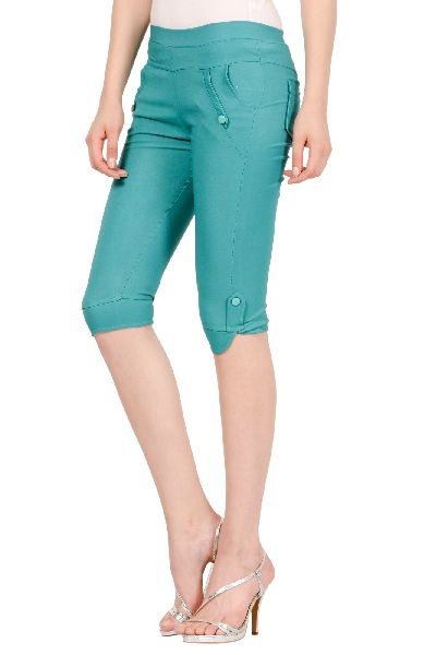 Ladies Capri 04