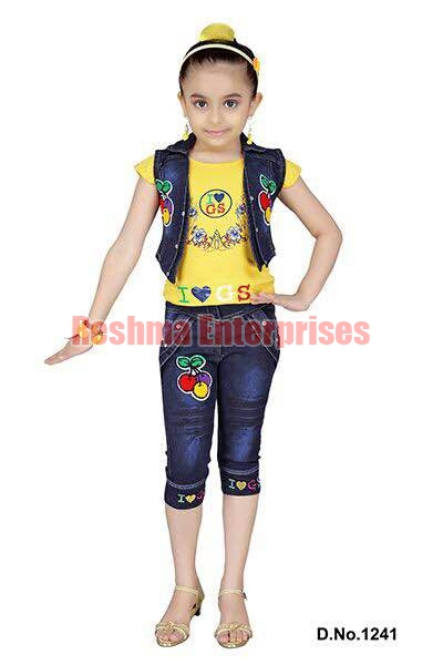 Girls Denim Capris (D.No. : 1241)