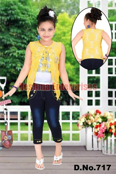 Girls Denim Capris (D.No. : 717)