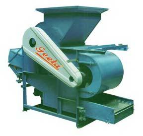 almond cracking machine