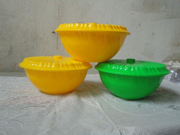 9 Inch Plastic Lid Bowl