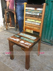 Reclaimed & Recycled Wood Restaurant Furniture