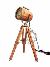 SPOTLIGHT ON WOODEN TRIPOD STAND