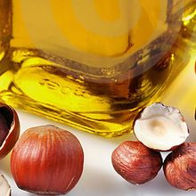Hazelnuts oil