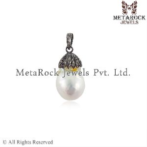 Pearl Fashion Pendant
