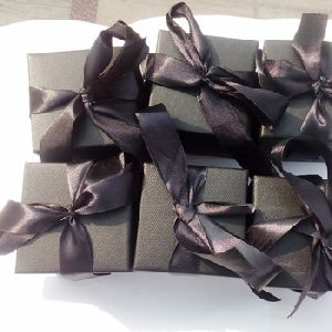 Black gift box for copper scent