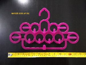 AP-761 Plastic Garment Hanger