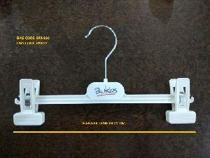 BM-190 Plastic Garment Hanger