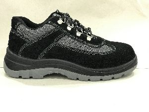 Ultima Black Panther Safety Shoes