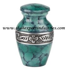 Classic Engraved Keepsake Small Urn