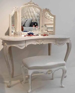 Dressing Table 18