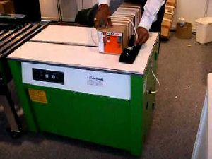 Semi Automatic Box Strapping Machine 01