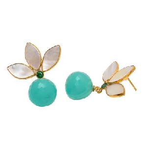 Aqua Chalcedony And Pearl Shell Earring