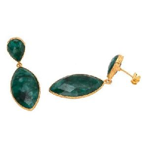 Dyed Emerald Green Gemstone Earring
