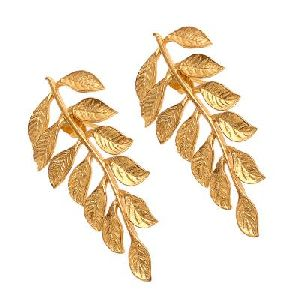 Fashionable Leaf Earring