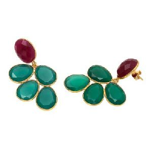 Green Onyx And Dyed Ruby Egg Shape Earring
