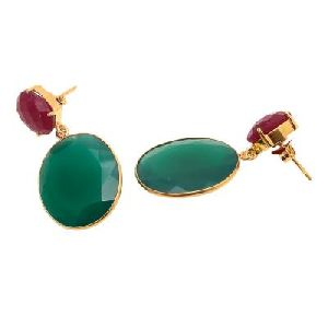 Green Onyx And Dyed Ruby Round Shape Earring