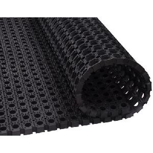 Rubber Hollow Mat 08
