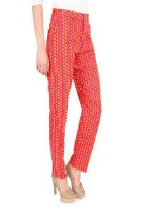 Ladies Red Ankle Length Pant