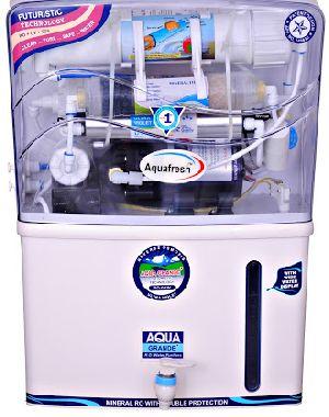 RO Water Purifier 02