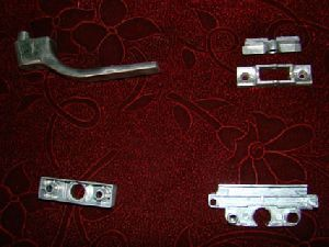 DOOR HANDLE / FITTINGS