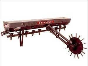Seed Cum Fertilizer Drilling Machine 01