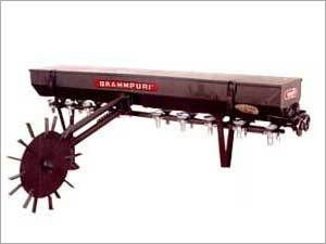 Seed Cum Fertilizer Drilling Machine 02