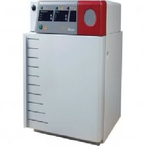 CO2 INCUBATOR WITH WATER JACKET