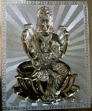 Lakshmi Statue Dies