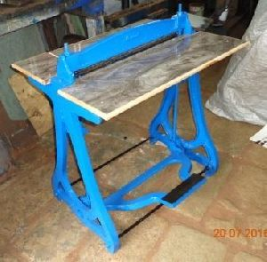 Foot Operated Wire O Closing Machine
