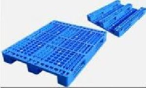 Plastic Three Skid Rack Pallets