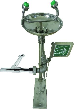 Eye Wash Fountains (Hand & Foot Operated))