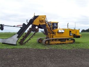 Mechanical chain driven trenchers
