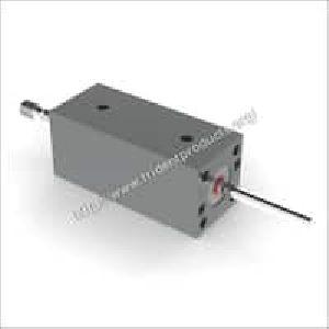 Compact Hydraulic Cylinder 01