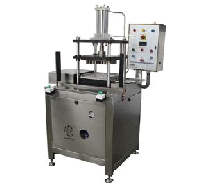 Spray Filling and Pump Machine