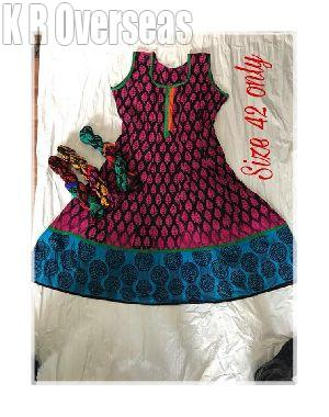 Ladies Crinkle Sleeveless Anarkali Kurti