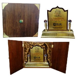 WOODEN BOX FRAME TROPHY