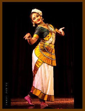 Mohiniyattam Dance Costume 07