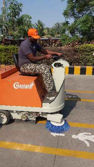 Battery Operated Street Sweeping Machine