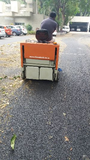 Battery Operated Sweeper Machine