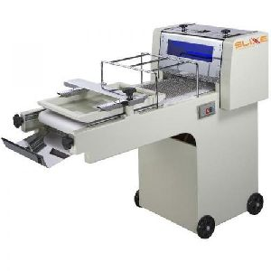 Semi Automatic Dough Moulder