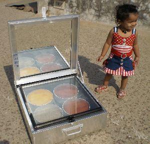 Solar Box Cooker 01