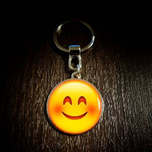 Smiley Customized Metal Keychain