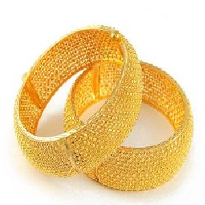 Gold Bracelet 02