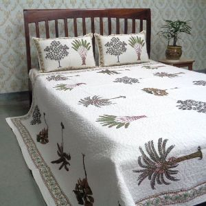 Banana Palm Tree Printed Queen Size Quilted Bedspread