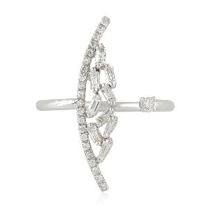 designer white gold baguette diamond between the finger ring
