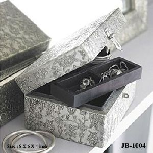 White Metal Fitted Jewelry Box